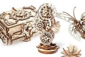 Ugears презентує Антикварну скриньку, модель-автоматон Метелик і Стімпанк-годинничок