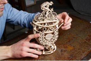 Механічна модель Автоматон «Велосипедист»