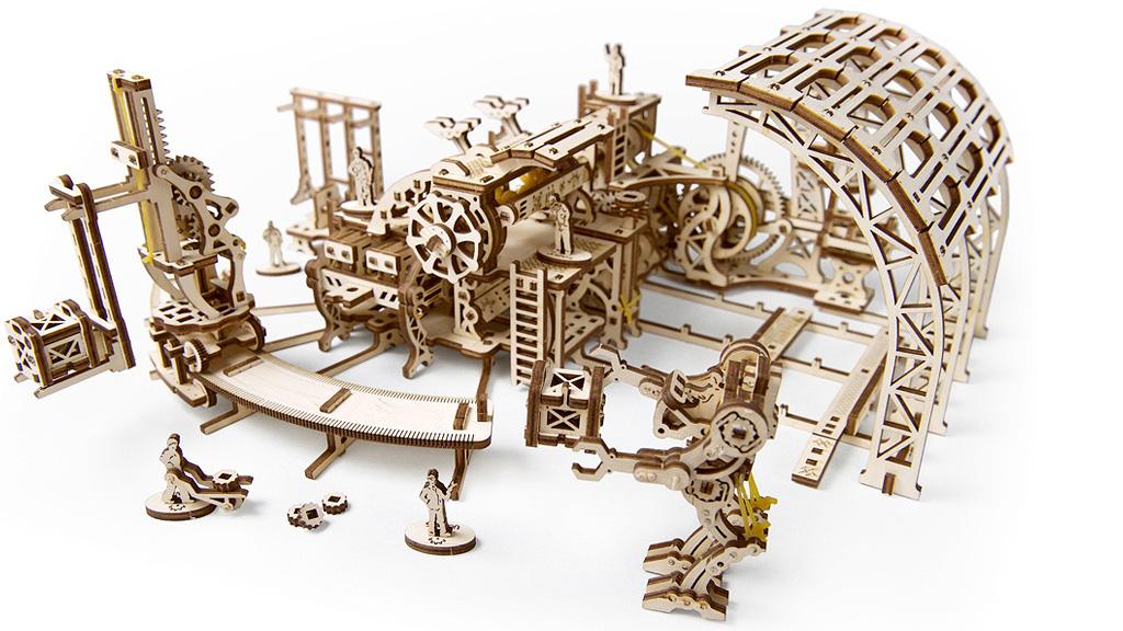 Модель «Фабрика роботів»